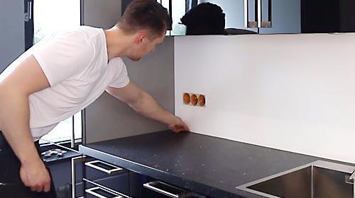 Kuchenruckwand Montieren Schritt Fur Schritt Video Anleitung
