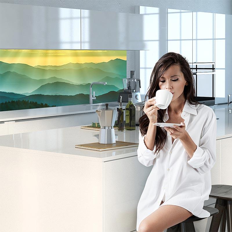 Eine Küchenrückwand ist der optische Blickfang in deiner Küche. Jetzt mit eigenen Motiv gestalten und online bestellen!